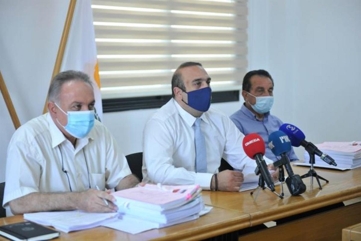 Έπεσαν υπογραφές για έργα €3.377.000 στον παραλιακό Ορόκλινης