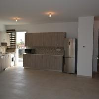 Modern 3-bedroom whole floor apartment in Larnaca Center